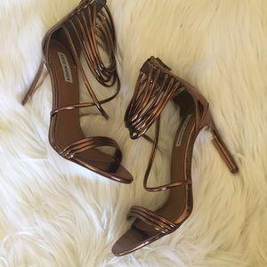730bcfac716 Steve Madden Shoes - 🆕Steve Madden BRONZE metallic heels size 10
